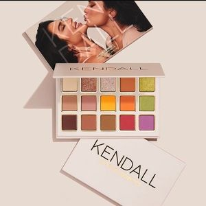 KYLIEXKENDALL XLG FACE🎨PALETTE•NIB/NEVER SWATCHED